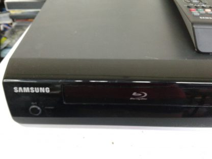 Samsung BD P1400 Blu Ray Disc Player w remote HDMI cable Works great 264845877113 6