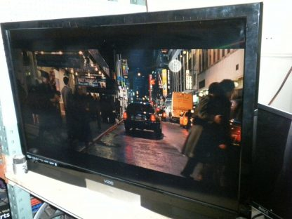Vizio SV422XVT 42 TV No remote works great local pick up only 274409854339